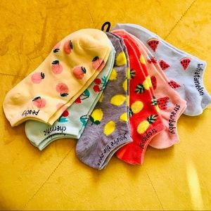 🌵 4/25 Kelly & Katie no show socks. 6 pairs.